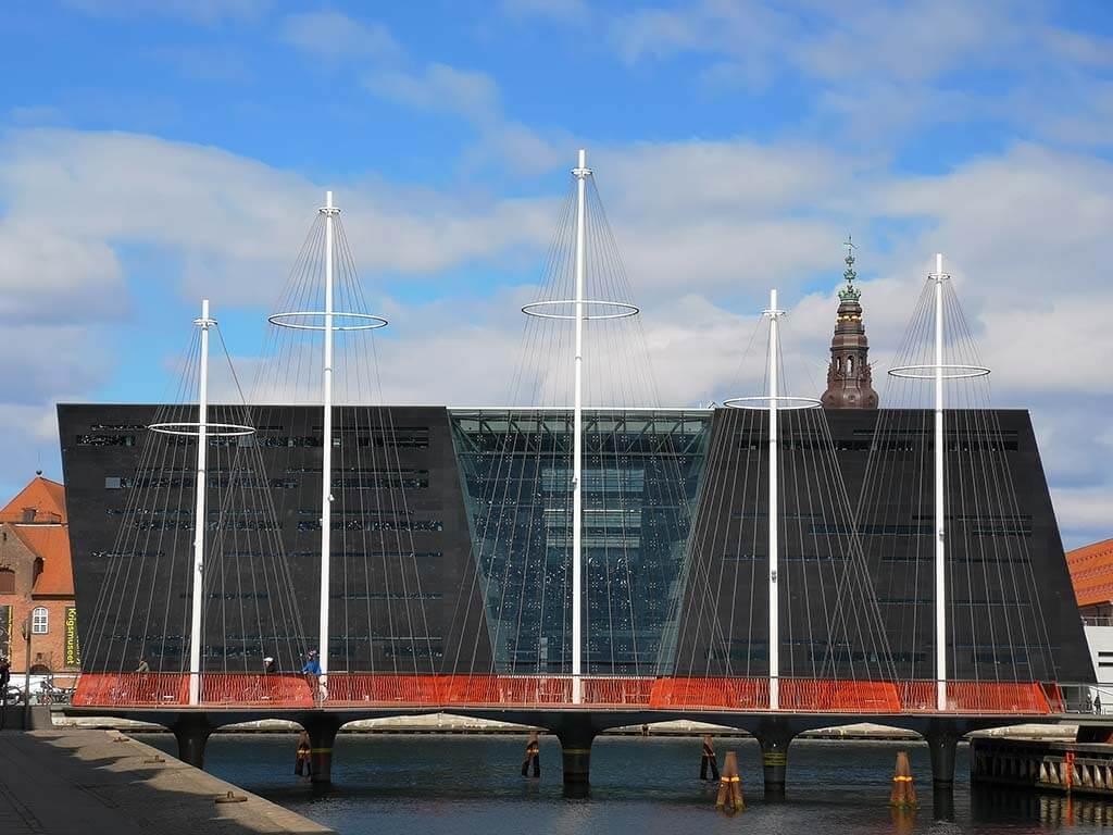 Black Diamond and Bicycle Bridge Copenhageb